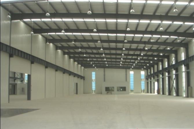 钢结构彩钢厂房 彩钢库房 彩钢车间       彩钢瓦分单层瓦和夹心瓦(两